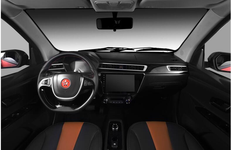 内饰的造型设计也是靠拢年轻化属性。三幅式多功能运动方向盘,加上科技感十足的多边形仪表板以及突出的中控台设计,让驾驶席的包围感更加真切与亲近。红星闪闪x2还拥有7寸全液晶仪表盘,在驾驶过程中可以清晰的看到整车系统监测与驾驶参数。并且,为了满足车主的个性化需求以及驾驶者的驾驶兴趣,红星闪闪x2的这款仪表盘还带有3套ui界面,用更加丰富的科技感,充实驾驶者的视角,激发驾驶兴趣。除此之外,我们还能看到在空调出风口和两侧车门上,有大面积的软性材料包裹,搭配上符合趋势潮流的双色内饰风格,更为内部整体空间看起来更有质