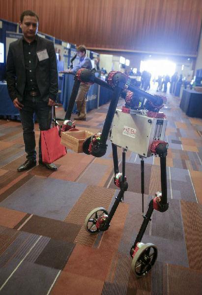 机器人士兵、无人机大军 人工智能正改变战争未来